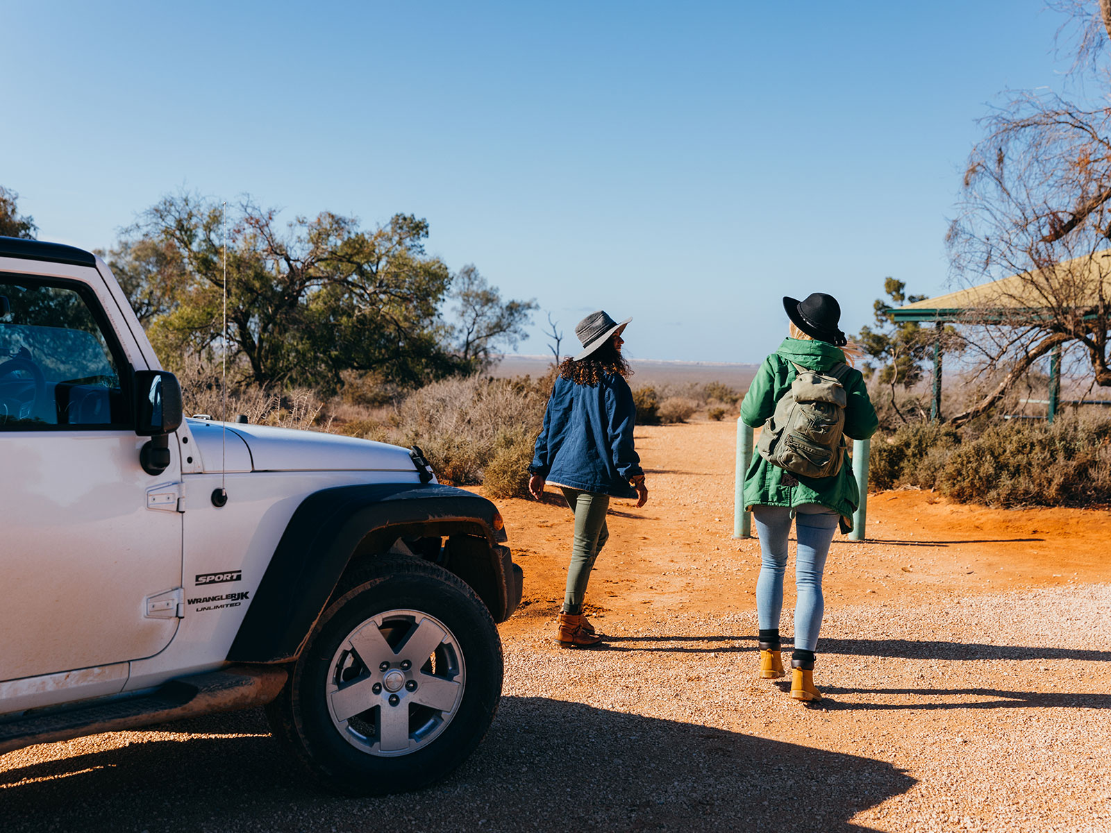 Friends on a road trip to Mungo National Park. Photo: Melissa Findley/OEH